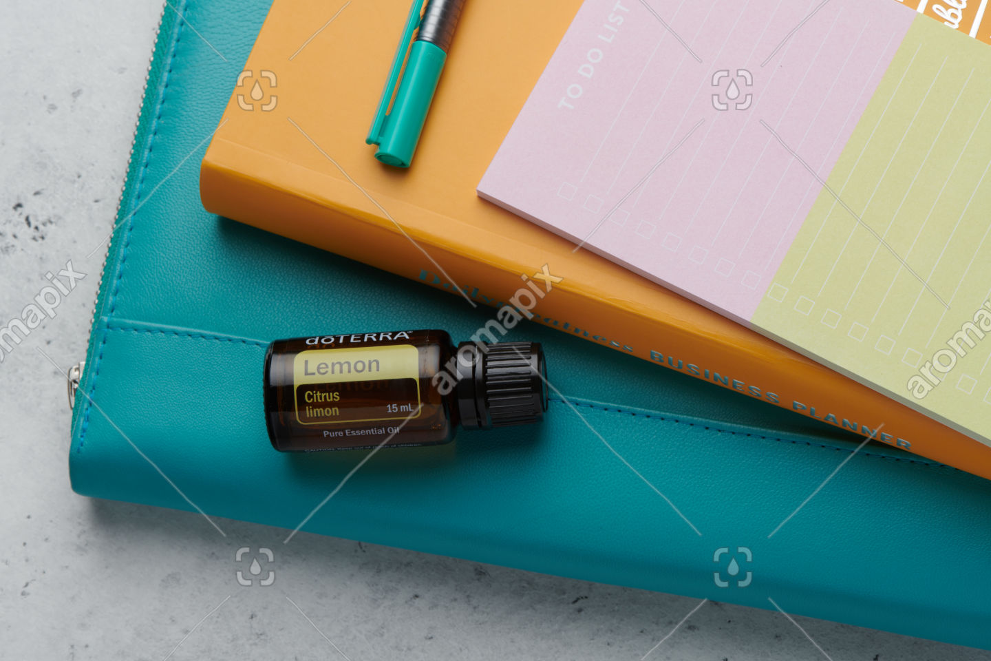 doTERRA Lemon product with business tools